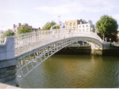 Hapenny-Bridge-Dublin